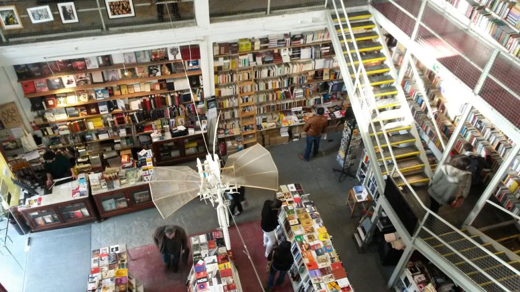 Fabrik-Look Buchhandlung in Lissabon